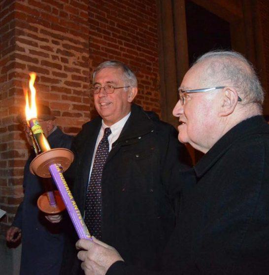 [ photogallery ] Vescovo e pastore insieme per la fiaccolata dei 500 anni della Riforma