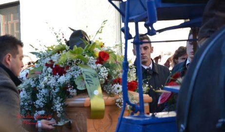Perosa. L'ultimo saluto a Sergio Biamino. Il vescovo alla veglia funebre: coraggio, Perosa!