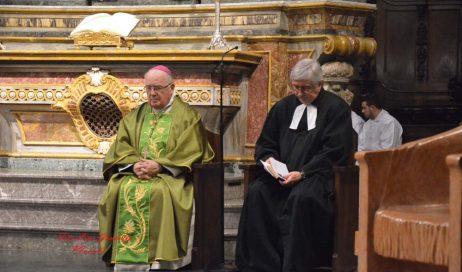 [photogallery] Il pastore valdese Genre ha predicato nella cattedrale di Pinerolo