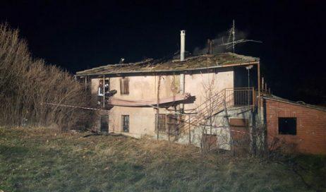 Prarostino. Incendio in abitazione, forse dovuto a petardi