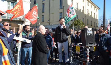 Manifestazione Pmt a Pinerolo. Il vescovo: anche noi siamo Italia. Se lo stato vuole, può intervenire!