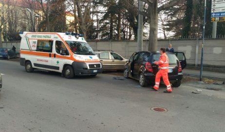 Pinerolo. Incidente in via Piazza Garibaldi. Un ferito