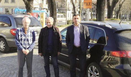 Taxi a Pinerolo: aumentano i costi, diminuisce il lavoro