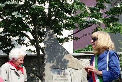[ photogallery ] Porte dedica un monumento alle donne della resistenza