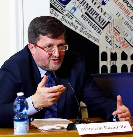 Maurizio Baradello, Direttore Generale del Comitato per l?Ostensione 2015, durante la conferenza stampa di presentazione alla stampa straniera dell'ostensione della Santa Sindone, in programma presso il Duomo di Torino dal 19 aprile al 24 giugno, presso la sede della stampa Estera, Roma, 15 aprile 2015. ANSA/ FABIO CAMPANA