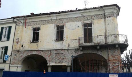 Un comitato per salvare l'ex Municipio di Abbadia