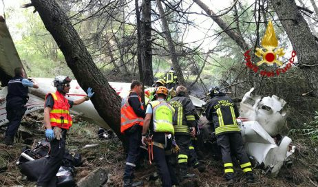 Aereo da turismo precipita sotto il Colle del Moncenisio. Due feriti gravi