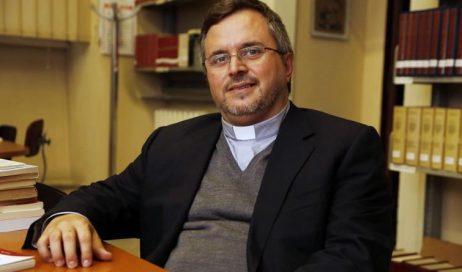 """Pinerolo. L'8 luglio don Paolo Gentili presenta l'esortazione """"Amoris Laetitia"""""""
