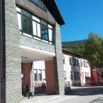Scuola ristrutturata esterno