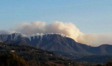 Prosegue l'allarme incendi in Piemonte. Le fiamme hanno raggiunto anche la Val Noce