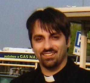 """Asti. Scomunicato il falso prete """"padre Gabriele"""""""