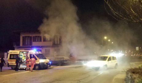 Pinerolo. Incidente in via Bignone: un'auto in fiamme