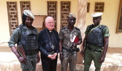 "Le #cronacheafricane di monsignor Debernardi. Le ""pantoufles"" del dialogo"