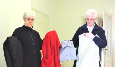"""La donazione di migliaia di capi di vestiario nuovi ha dato vita al progetto """"Vestisolidale"""""""
