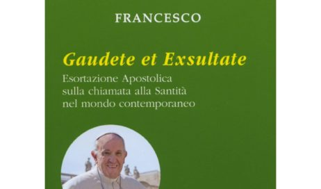 """I santi della porta accanto. Mons. Derio Olivero presenta la """"Gaudete et exsultate"""""""