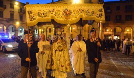 [ photogallery ] Pinerolo. In tanti alla processione del Corpus Domini