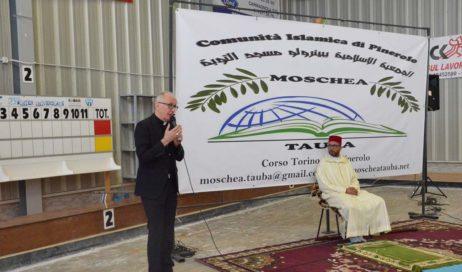 [ Photogallery ] Pinerolo. Il vescovo Olivero alla festa per la conclusione del Ramadan: le religioni servono a renderci umani!