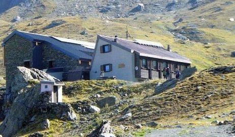 Marcia alpina al Lago Verde