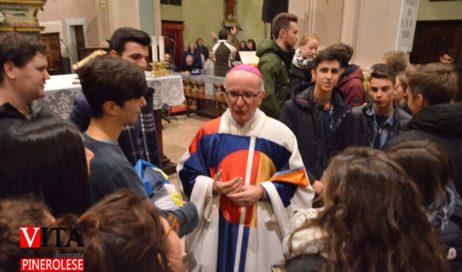 [ photogallery ] A Bibiana il vescovo Derio ha presieduto la messa dei giovani
