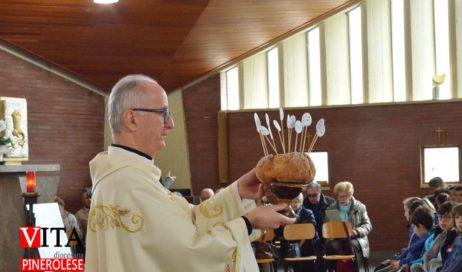 """Il vescovo Derio dall'Ospedale di Pinerolo: """"Pregate per me. Vorrei ancora tornare"""""""