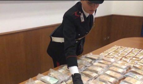 A Torino i carabinieri trovano un tesoro in un self storage