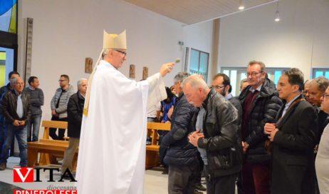 [ photogallery ] A Pinerolo il vescovo Derio ha benedetto i papà