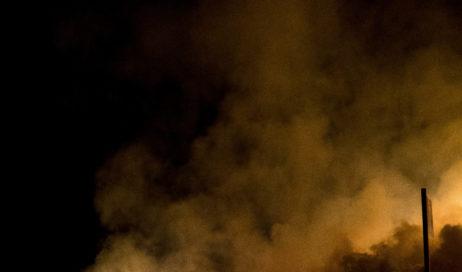 [ photogallery ] Le immagini notturne dell'incendio all'ex-Annovati di Frossasco