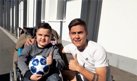 Si è avverato il sogno del piccolo Luca che ha incontrato il presidente e i calciatori della Juve