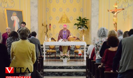 [ photogallery ] Il vescovo ha presieduto la messa per i gruppi del Rinnovamento