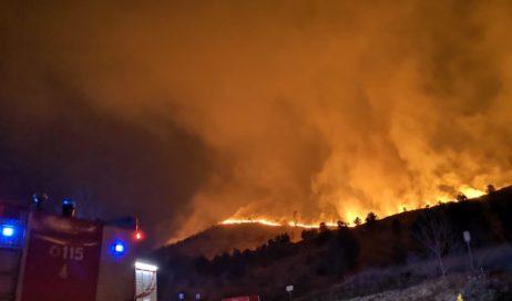 Incendio a Givoletto: evacuate nella notte 60 persone