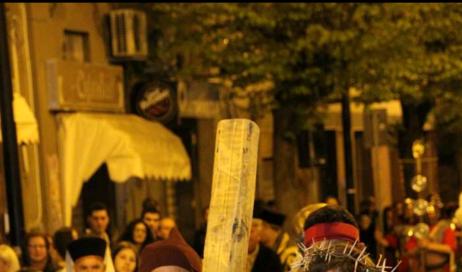San Cataldo porta in strada la Passione