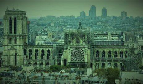 Tre studentesse francesi ospiti a Pinerolo commentano l'incendio a Notre Dame: uniti di fronte a questo tragico evento