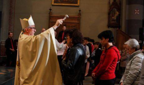 [ photogallery ] Nella cattedrale di Pinerolo la benedizione delle mamme