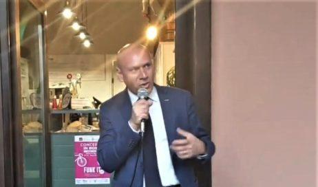 #elezioni2019 Bertola a Pinerolo presenta il programma del M5S. La riattivazione della Pinerolo-Torre Pellice? Una mossa elettorale