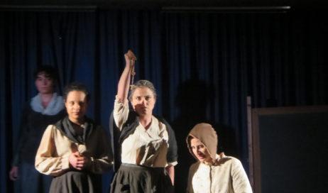 Pinasca. A teatro la storia di Italia Donati, maestra