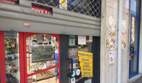 Nella Giornata mondiale senza tabacco rubate 400 stecche di sigarette in una tabaccheria di Pinerolo