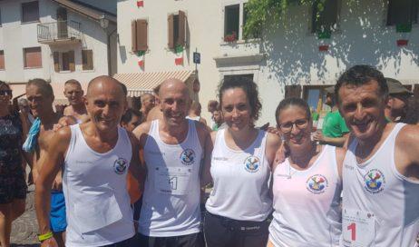 La sezione ANA di Pinerolo quinta ai campionati di corsa in montagna a staffetta