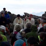 [Photogallery]. Il vescovo Derio al Rocciamelone con un gruppo pinerolese