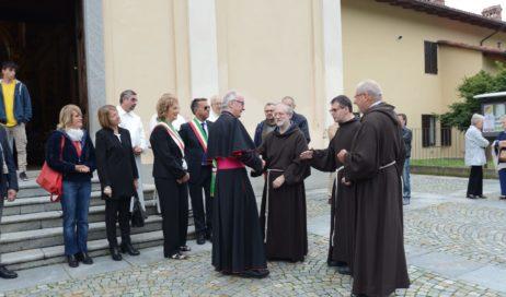 [Photogallery]. La comunità di San Pietro Val Lemina accoglie i frati