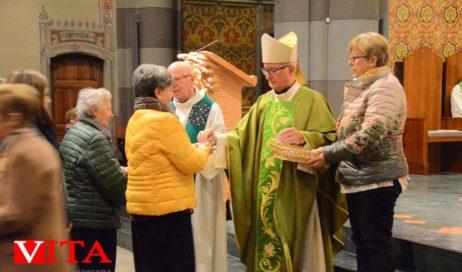 [Photogallery]. Il vescovo ha conferito il mandato ai catechisti diocesani