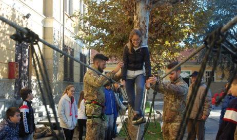 4 novembre. I ragazzi del don Bosco in visita alla Caserma Berardi di Pinerolo