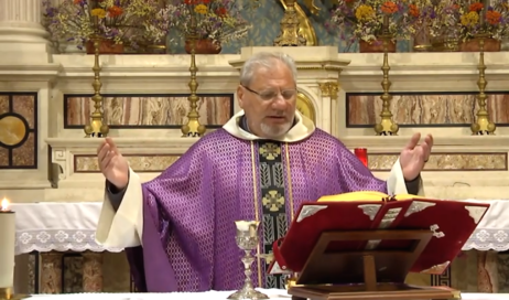 Preghiera in diretta per il vescovo Derio e per monsignor Debernardi