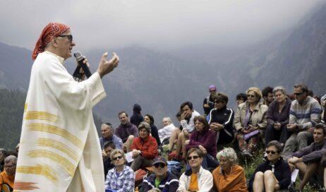 """Il vescovo Derio in una lettera aperta: """"sogno comunità aperte, umili, cariche di speranza"""""""