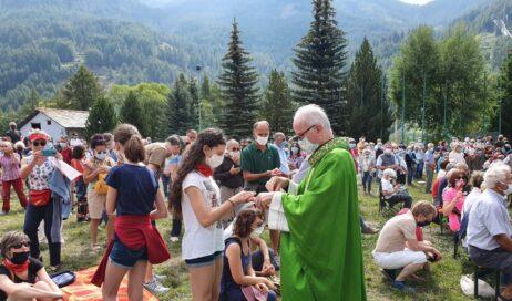[ photogallery ] In tanti a Pragelato per la messa del vescovo Derio