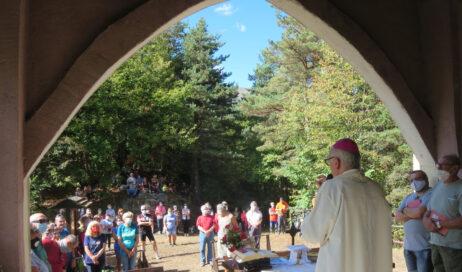[Photogallery]. La prima volta del vescovo Derio a Serforan