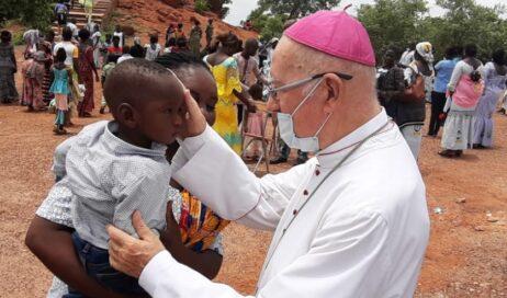 Acqua nel Sahel. La missione africana di monsignor Debernardi