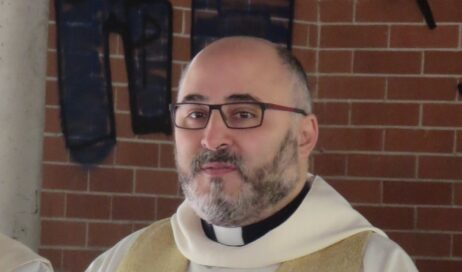 Da don Ricci a don Rizzi, a Pinasca arriva il nuovo parroco!