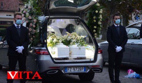 Frossasco. Il funerale delle vittime del familicidio di Carignano
