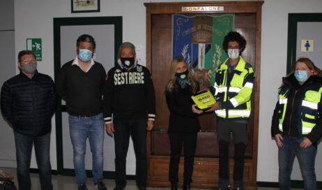 Sestriere. Un defibrillatore alla Protezione Civile dal Rotaract Torino San Carlo