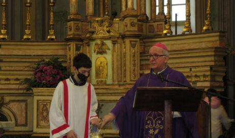 [photogallery]. Il vescovo Derio incontra i ragazzi del catechismo a Pinasca